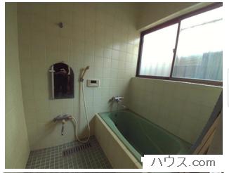 横浜店舗付き住宅物件の風呂場画像