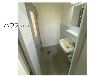 与野駅近動物病院向け賃貸店舗物トイレ洗面所画像