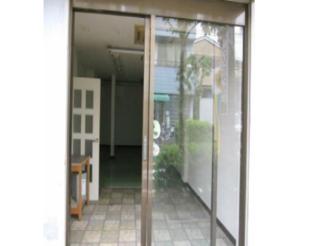 川崎市内のトリミングサロン向け賃貸店舗物件玄関画像
