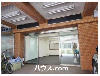 練馬春日町駅近の賃貸店舗物件の玄関画像
